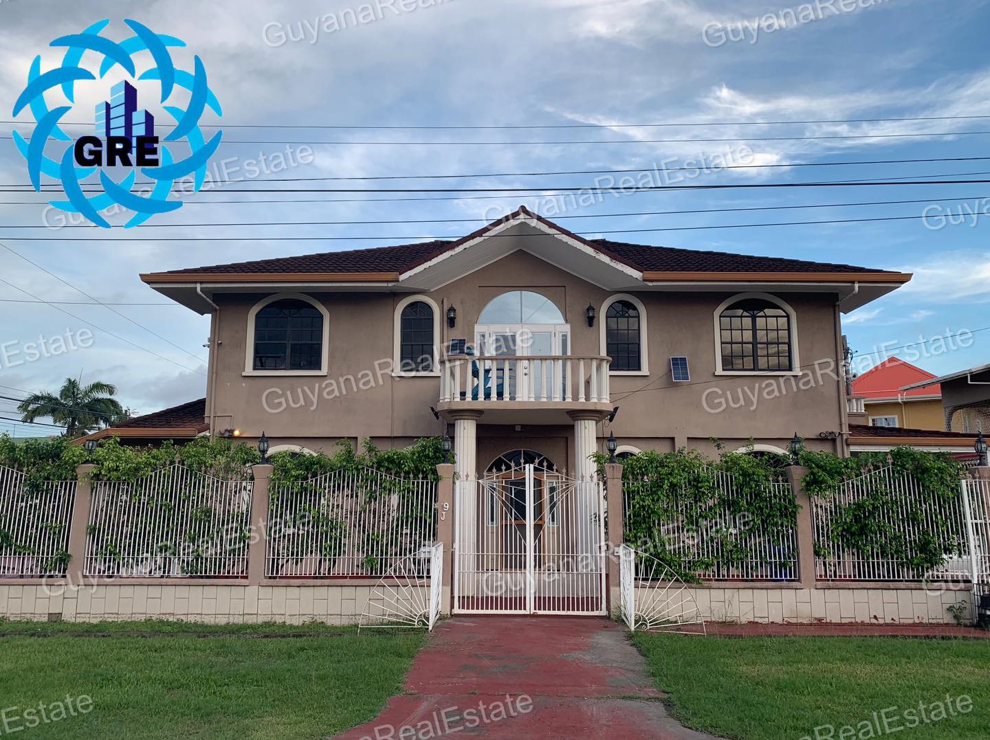 Executive Property available for rental in Lamaha Gardens Georgetown.