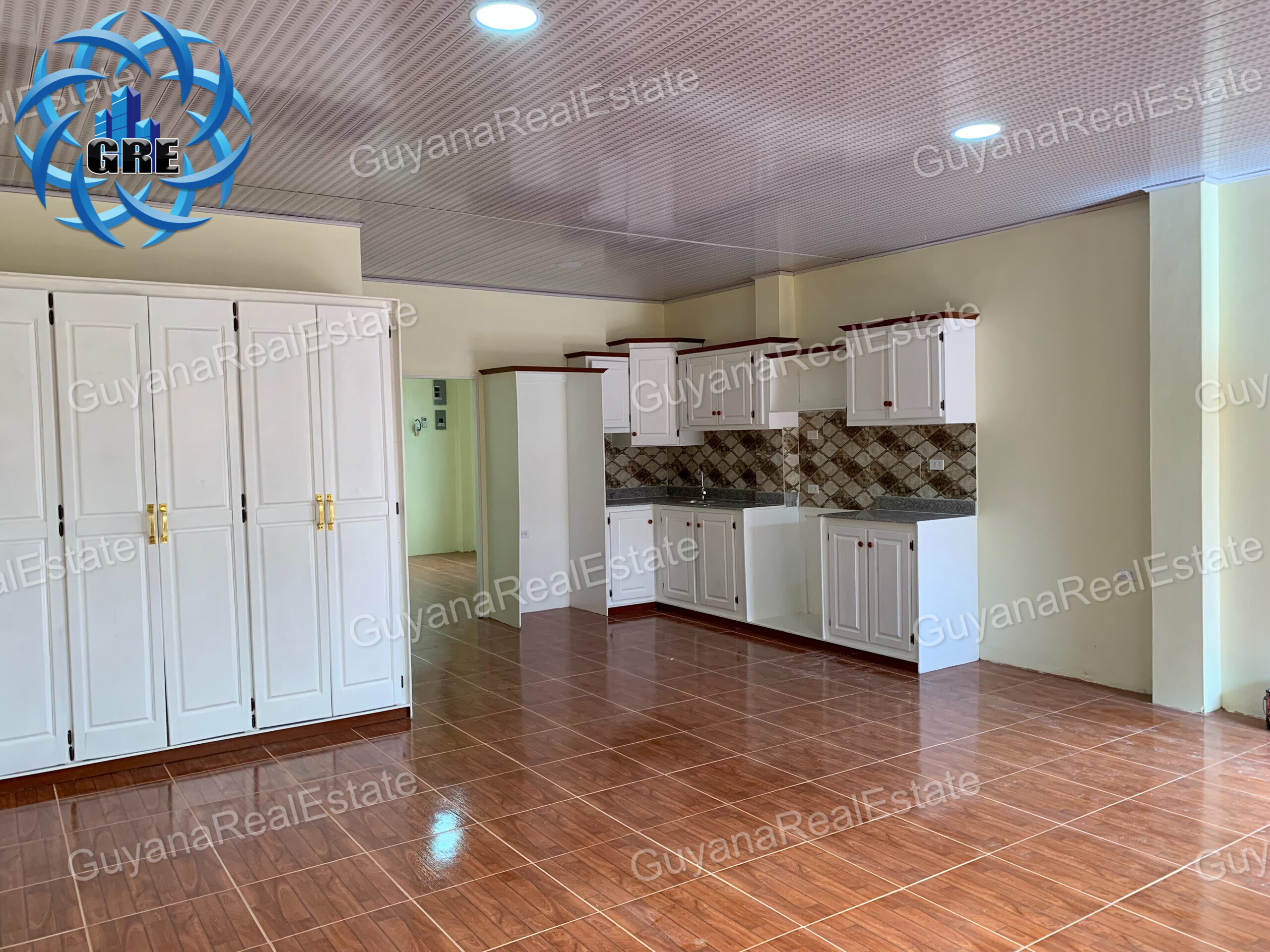 Unfurnished Apartment Units Available for Rental in Providence. (Apartment Building)